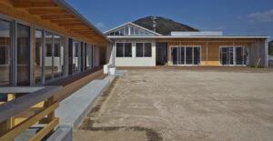 写真2:屋外全景園庭側を選択